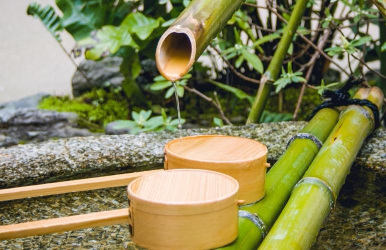 Fuente en Kioto con bambú