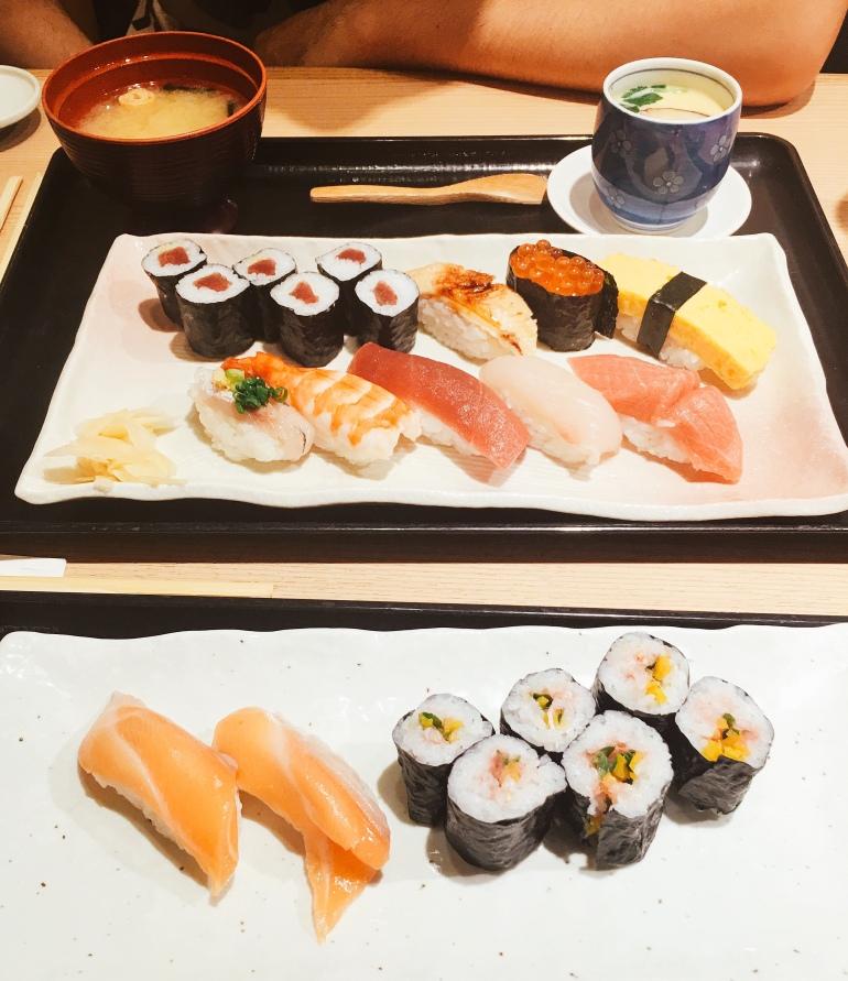 Sushi en la estación de Tokio