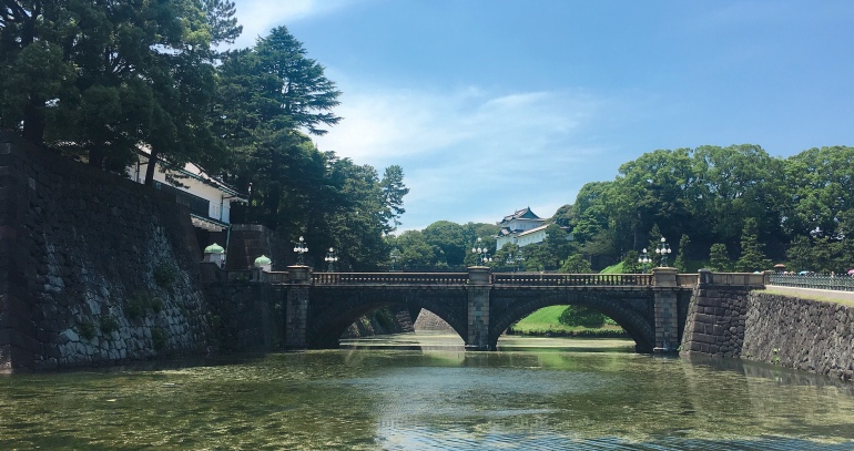 Puente de piedra del Palacio Imperial de Tokio